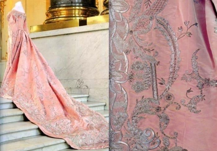 Вечернее платье от Надежды Ламановой | Фото: livemaster.ru