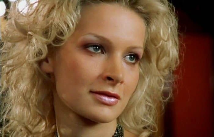 Александра Флоринская в сериале *Бригада*, 2002   Фото: kino-teatr.ru
