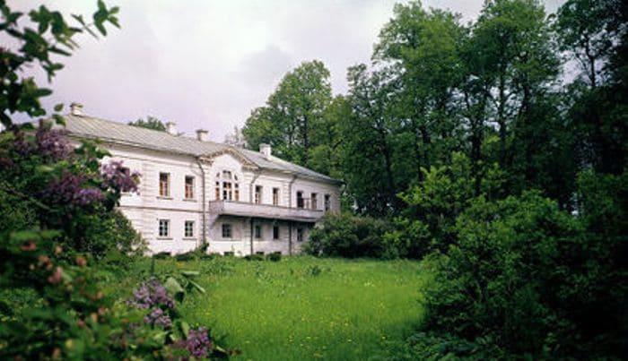 Дом-музей Льва Толстого в Ясной Поляне | Фото: telegrafua.com