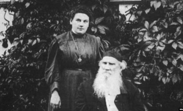 Лев Толстой с дочерью Александрой | Фото: svoboda.org