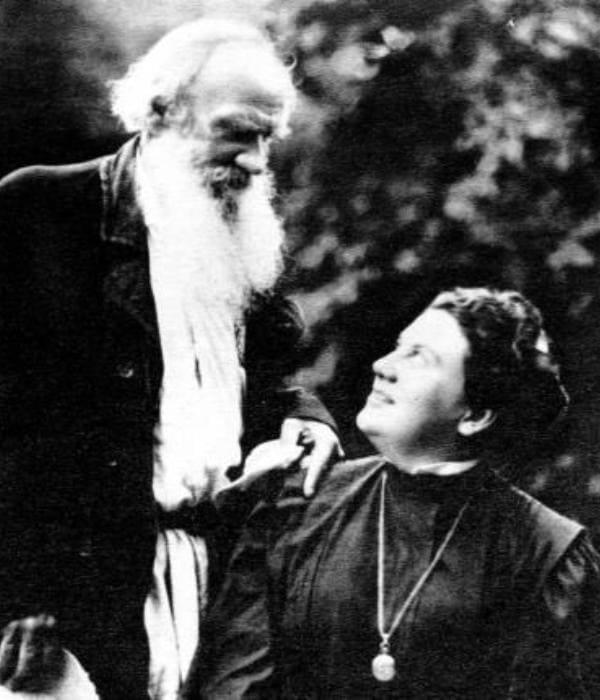 Лев Толстой с дочерью Александрой | Фото: telegrafua.com