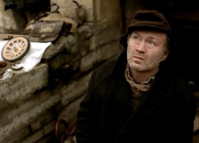 Юрий Кузнецов в фильме *Брат*, 1997 | Фото: kino-teatr.ru