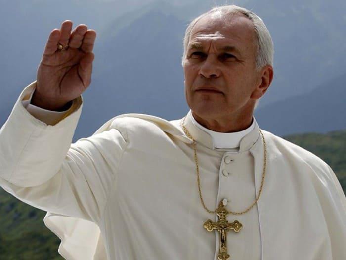 Алексей Гуськов в роли Папы Иоанна Павла II, 2014 | Фото: tvc.ru