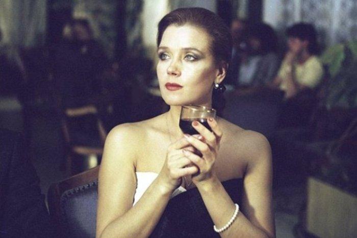 Ирина Алферова в фильме *Высший класс*, 1991 | Фото: kino-teatr.ru