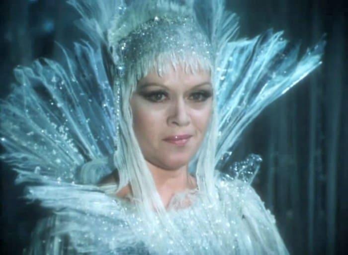 Алиса Фрейндлих в фильме *Тайна Снежной Королевы*, 1986 | Фото: kino-teatr.ru