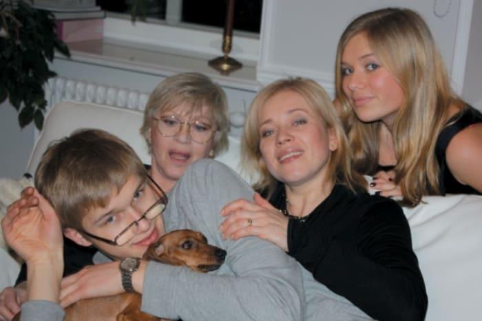 Актриса с дочерью и внуками | Фото: sobaka.ru