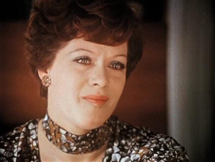 Алиса Фрейндлих в фильме *Служебный роман*, 1977 | Фото: kino-teatr.ru