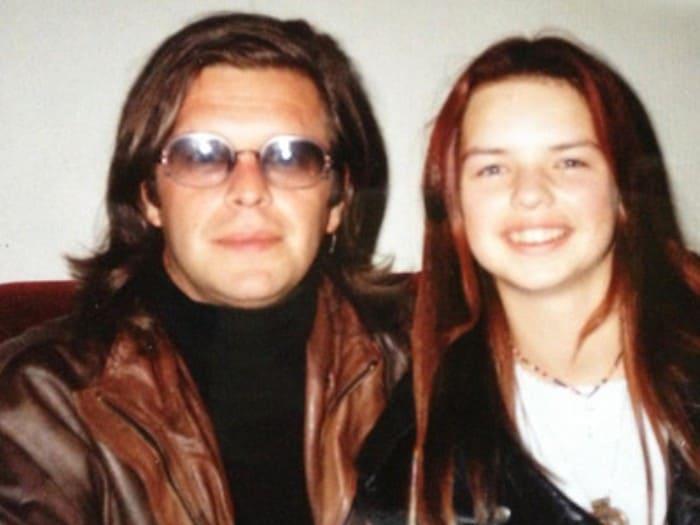 Алиса с отцом, музыкантом Борисом Гребенщиковым   Фото: starhit.ru