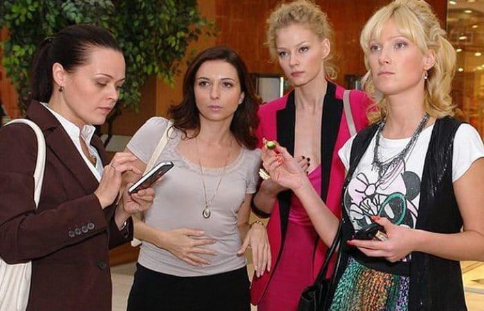 Алиса Хазанова в сериале *Краткий курс счастливой жизни*, 2011   Фото: uznayvse.ru