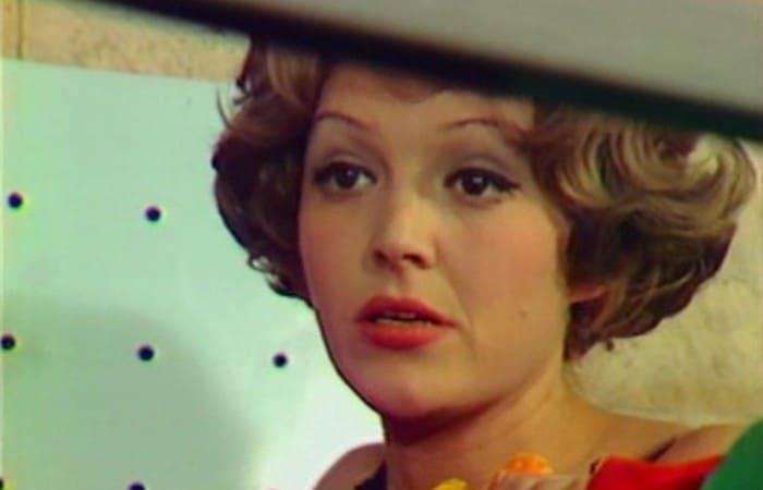Алла Балтер в фильме *Следствие ведут Знатоки*, 1975   Фото: kino-teatr.ru