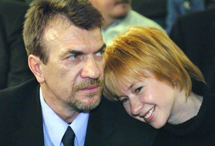 Актриса с мужем, режиссером Владимиром Морозовым, и сыном | Фото: kinoistoria.ru