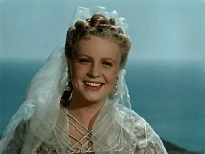 Алла Ларионова в фильме *Двенадцатая ночь*, 1955   Фото: kino-teatr.ru