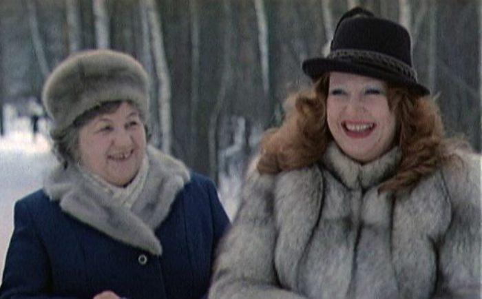 Алла Пугачева с мамой, Зинаидой Одеговой | Фото: uznayvse.ru