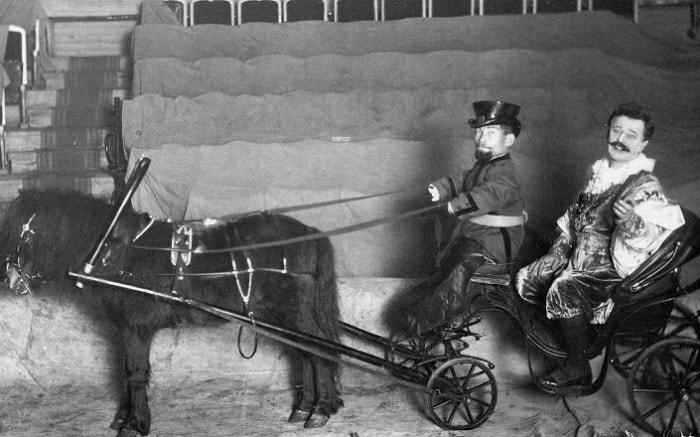 А. Л. Дуров на арене цирка | Фото: vestivrn.ru