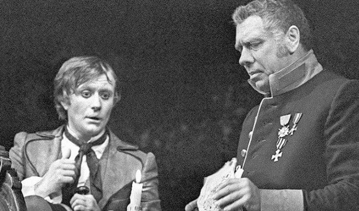 Андрей Миронов и Анатолий Папанов на сцене театра | Фото: uznayvse.ru