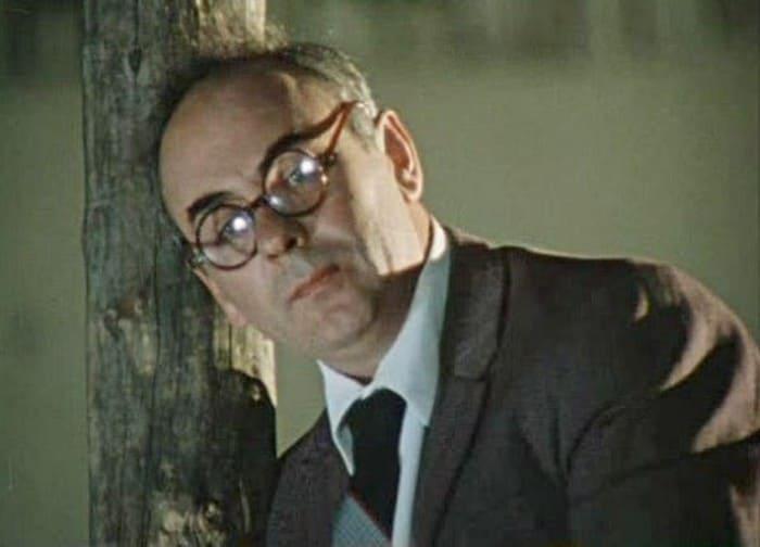 Анатолий Равикович в роли Хоботова, 1982   Фото: kino-teatr.ru