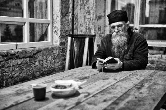 Монахи в объективе отца Андрея | Фото : old.subscribe.ru