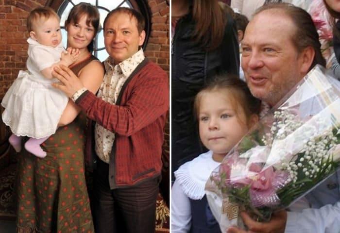 Актер с дочерью Варей и ее матерью Екатериной | Фото: starhit.ru, stuki-druki.com