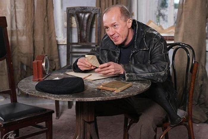 Андрей Панин в сериале *Гетеры майора Соколова*, 2014   Фото: babr24.com