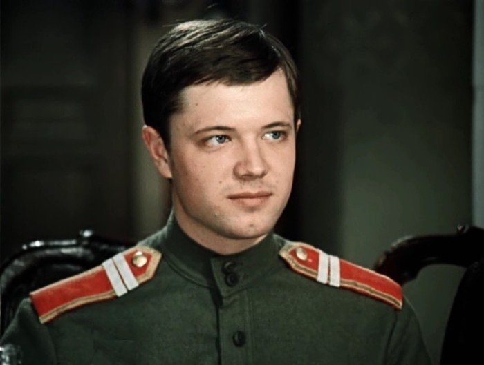 Андрей Ростоцкий в фильме *Дни Турбиных*, 1976 | Фото: kino-teatr.ru