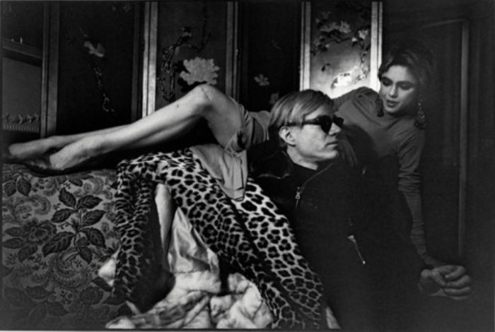Энди Уорхол и его любимая модель и муза Эди Седжвик   Фото: abcgallerys.com