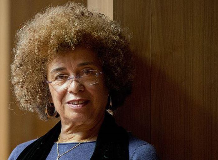 Сейчас Анджела Дэвис – правозащитница и борец за права заключенных   Фото: aif.ru
