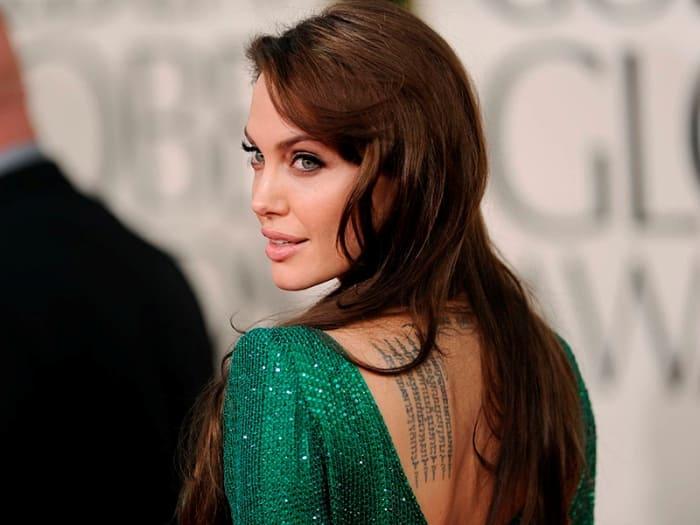 Знаменитая американская актриса и режиссер Анджелина Джоли | Фото: peopletalk.ru