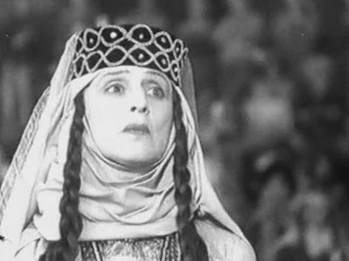 Верико Анджапаридзе в фильме *Георгий Саакадзе*, 1942 | Фото: kino-teatr.ru
