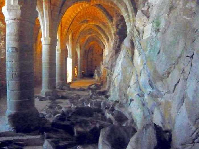 Тюремная галерея Шильонского замка, ставшего местом пыток и казней ведьм | Фото: nashagazeta.ch