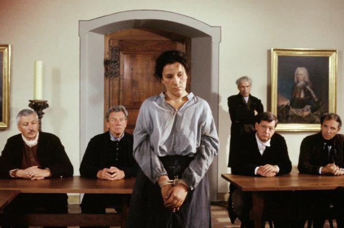 Кадр из фильма *Анна Гельди – последняя ведьма*, 1991 | Фото: kinopoisk.ru