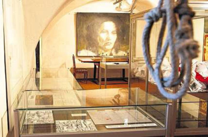В музее Анны Гельди | Фото: secretofworld.ru
