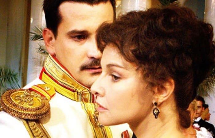 Кадр из фильма *Анна Каренина*, 2009 | Фото: kino-teatr.ru