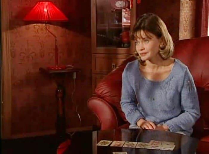 Анна Назарьева в сериале *Трое против всех*, 2001 | Фото: kino-teatr.ru