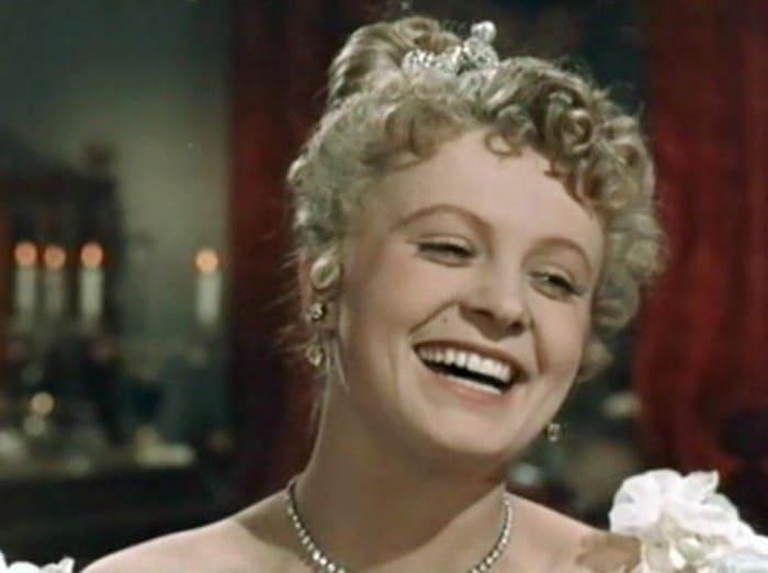 Алла Ларионова в фильме *Анна на шее*, 1954 | Фото: kino-teatr.ru