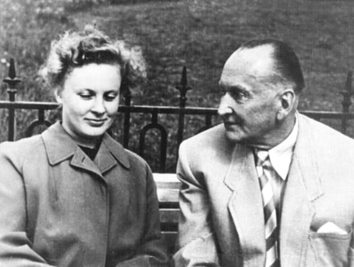 Алла Ларионова и Александр Вертинский на съемках фильма *Анна на шее*, 1954 | Фото: loveread.me