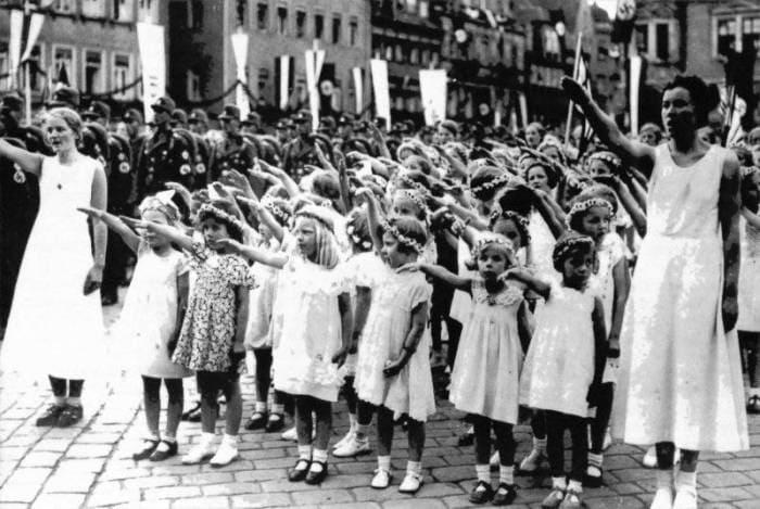 Проект *Лебенсборн* называли детской фабрикой нацистов | Фото: klonik69.livejournal.com