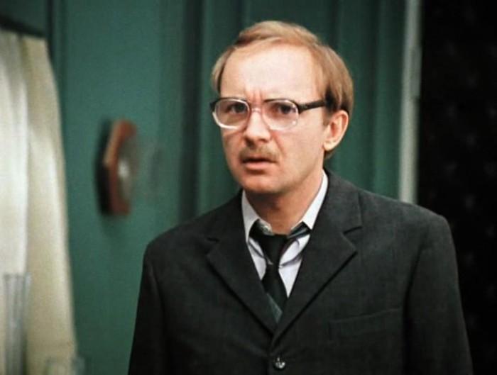 Андрей Мягков в фильме *Служебный роман*, 1977 | Фото: kino-teatr.ru