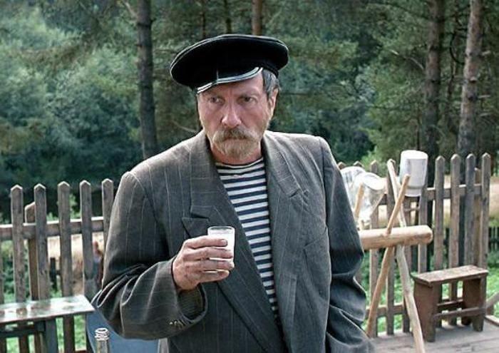 Кадр из фильма *Любовь и голуби*, 1984 | Фото: bigpicture.ru