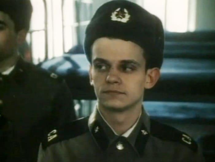 Кадр из фильма *Здравия желаю!*, 1990 | Фото: kino-teatr.ru
