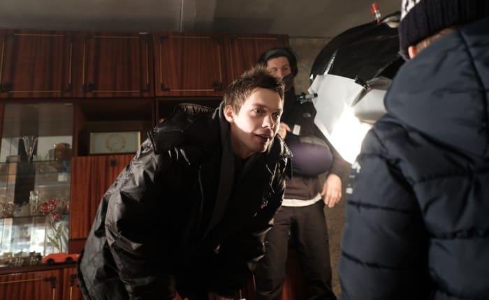 Актер на съемках сериала *Документалист. Охотник за призраками*, 2020   Фото: kino-teatr.ru