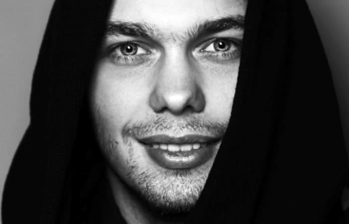 Сегодня актер уже не похож на звезду сериала *Кадетство*   Фото: kino-teatr.ru
