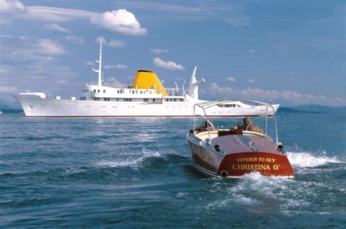 Знаменитая яхта миллиардера *Кристина*, на которой начался его роман с Марией Каллас | Фото: aif.ru