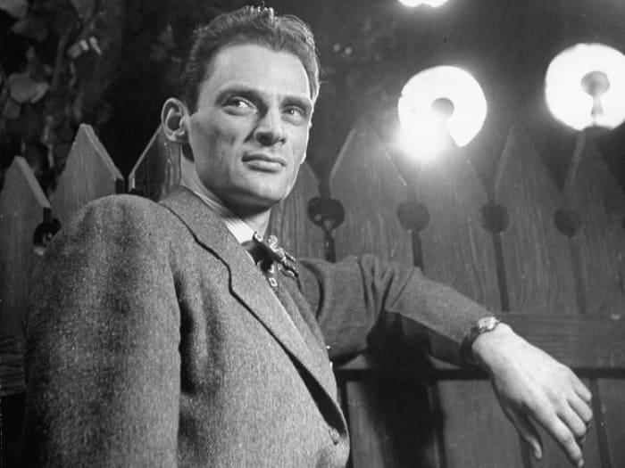 Драматург на премьере своей пьесы *Все мои сыновья*, 1947 | Фото: story.ru
