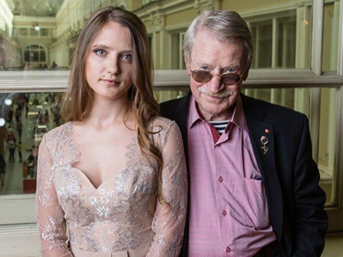 Актер с женой | Фото: starhit.ru