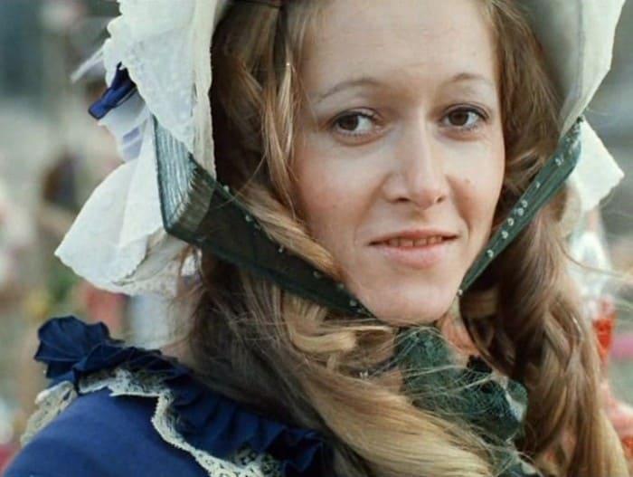 Татьяна Соловьева в фильме *Свой среди чужих, чужой среди своих*, 1974 | Фото: kino-teatr.ru
