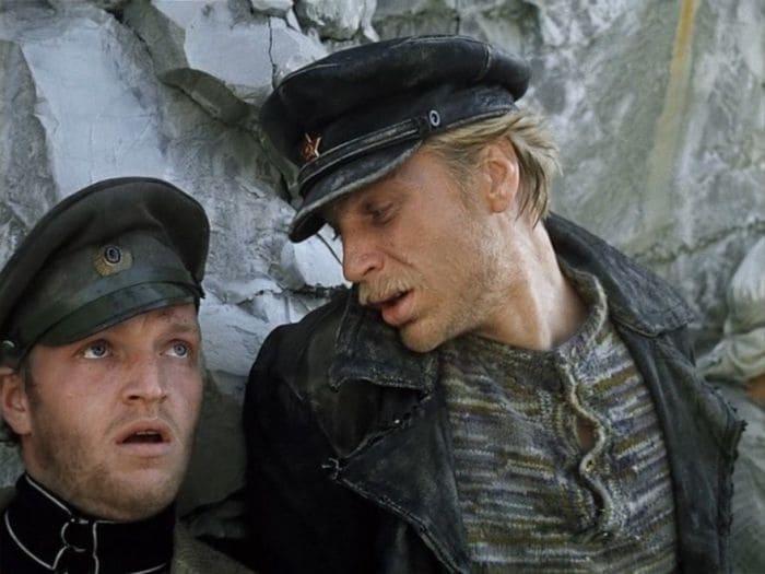 Кадр из фильма *Свой среди чужих, чужой среди своих*, 1974 | Фото: in-w.ru