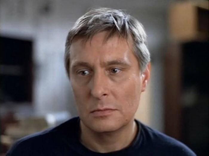 Олег Басилашвили в роли Бузыкина | Фото: gorod.tomsk.ru