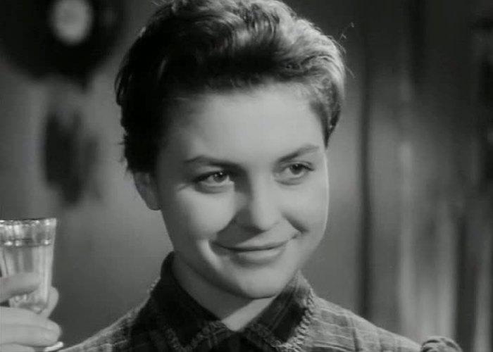 Аза Лихитченко в фильме *В начале века*, 1961 | Фото: kino-teatr.ru