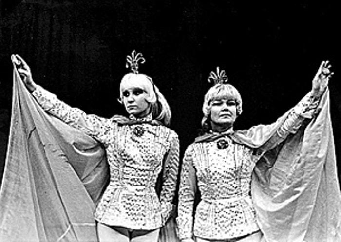 Артистки цирка Марина и Надежда Маяцкие | Фото: s-info.ru