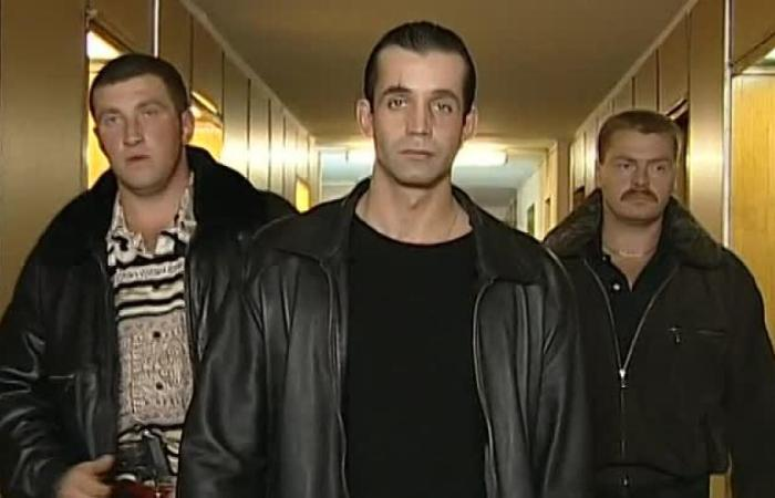 Кадр из сериала *Бандитский Петербург* | Фото: bigpicture.ru